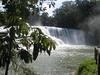 Ce ne sont pas les chutes du Niagara, mais c'est tout aussi impressionnant. On ne regrette pas d'avoir fait ce détour. Photo prise le mercredi 23 novembre 2005