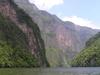 Sous les falaises du cañon del Sumidero