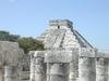 La pyramide de Kukulcan a Chichen Itza, vue sous un autre angle qu a l accoutumé