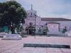 Petite église d'un village Mexicain décoré à l'occasion de fêtes