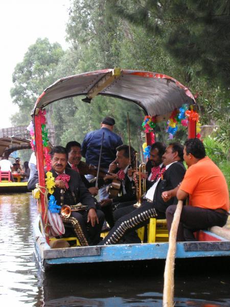 Jardins Flottants à Xochimilco au sud de Mexico df