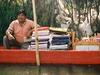 A Xochimilco, un marchand de tapis