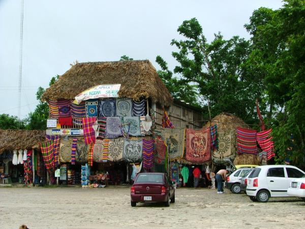 Marché traditionnel à Coba