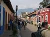 Foule le dimanche dans les rues de San Cristobal