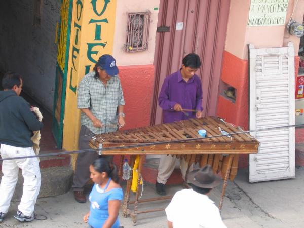 La musique est très présente, même dans la rue