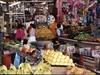 Un marché quelque part au Mexique avec ce qu'on vend dans la pluspart des marchés mexicains