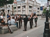 Sur la place Garibaldi, des mariachis jouent des airs populaires