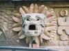 La tête de Quetzalcoatl représenté ici.
